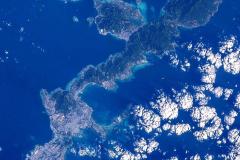 800px-Okinawa_Island-ISS042